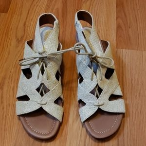 Donald J pliner sandals sz9.5